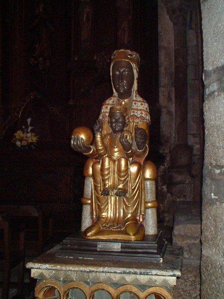 Black Madonna in Santiago cathedral